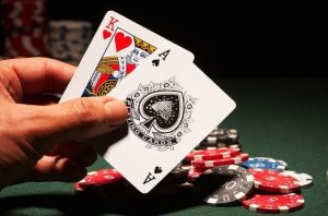 Need to Know This When Playing Poker Online